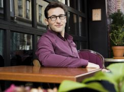 SIMON SINEK – Being Present, Being You