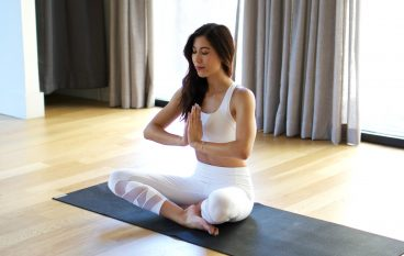 5 Things Your Yoga Teacher Wants To Tell You