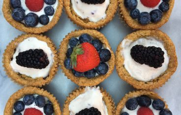 Berry Ice Cream Cookie Cups