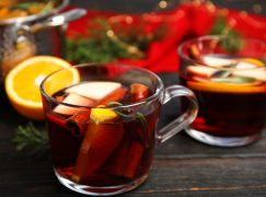 Warm & Spicy Red Wine Wassail