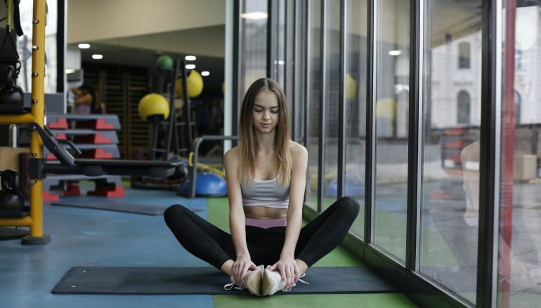 How to Do Yoga and Weightlifting Supersets